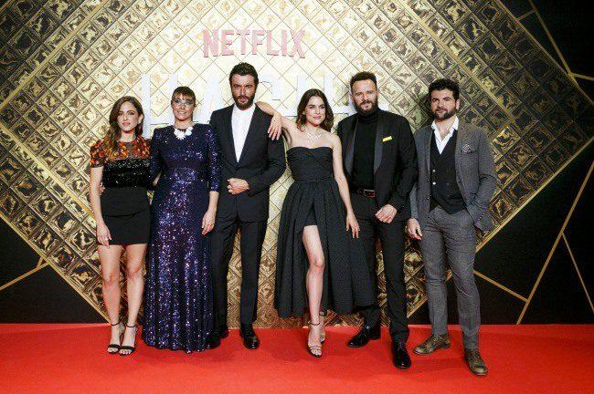 Estreno de la serie de Netflix HACHE con actores protagonistas Adriana Ugarte, Javier Rey, Ingrid Rubio, Marina Salas, Pep Ambrós y Marc Martínez.